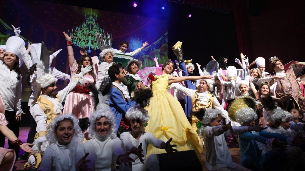 La gala finalizaba con un espectacular número musical de 'La Bella y la Bestia'. / H. Fraile